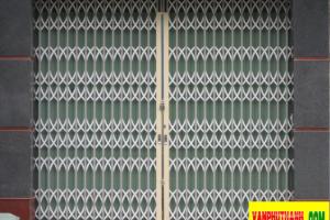 Cửa kéo tôn màu Đài Loan 6 dem